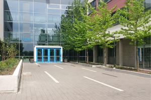 haupteingang-schule-klein